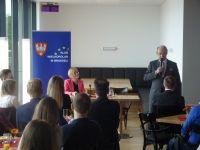 Klub Wielkopolan debatuje z posłem Adamem Szejnfeldem o wyzwaniach stojących przez Unią